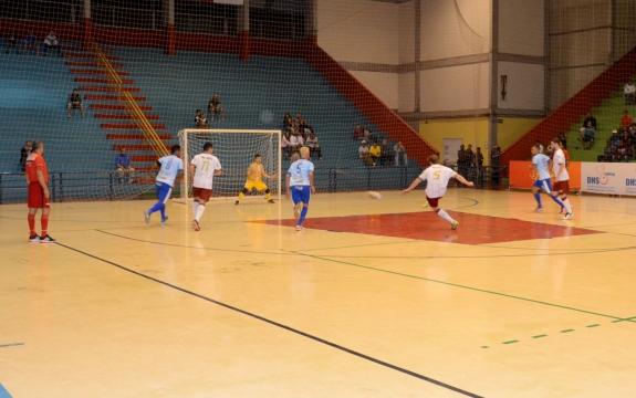 Em jogo de alternâncias no placar, Douglas marca a seis segundos do fim e Intelli vence na Copa Paulista
